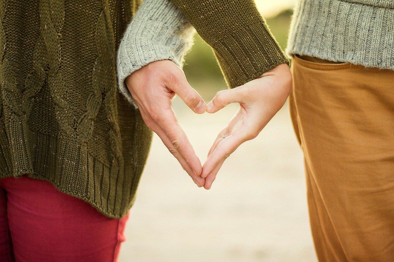 A型既婚男性の本気の不倫恋愛中の心理と遊びの関係を求めている時の特徴