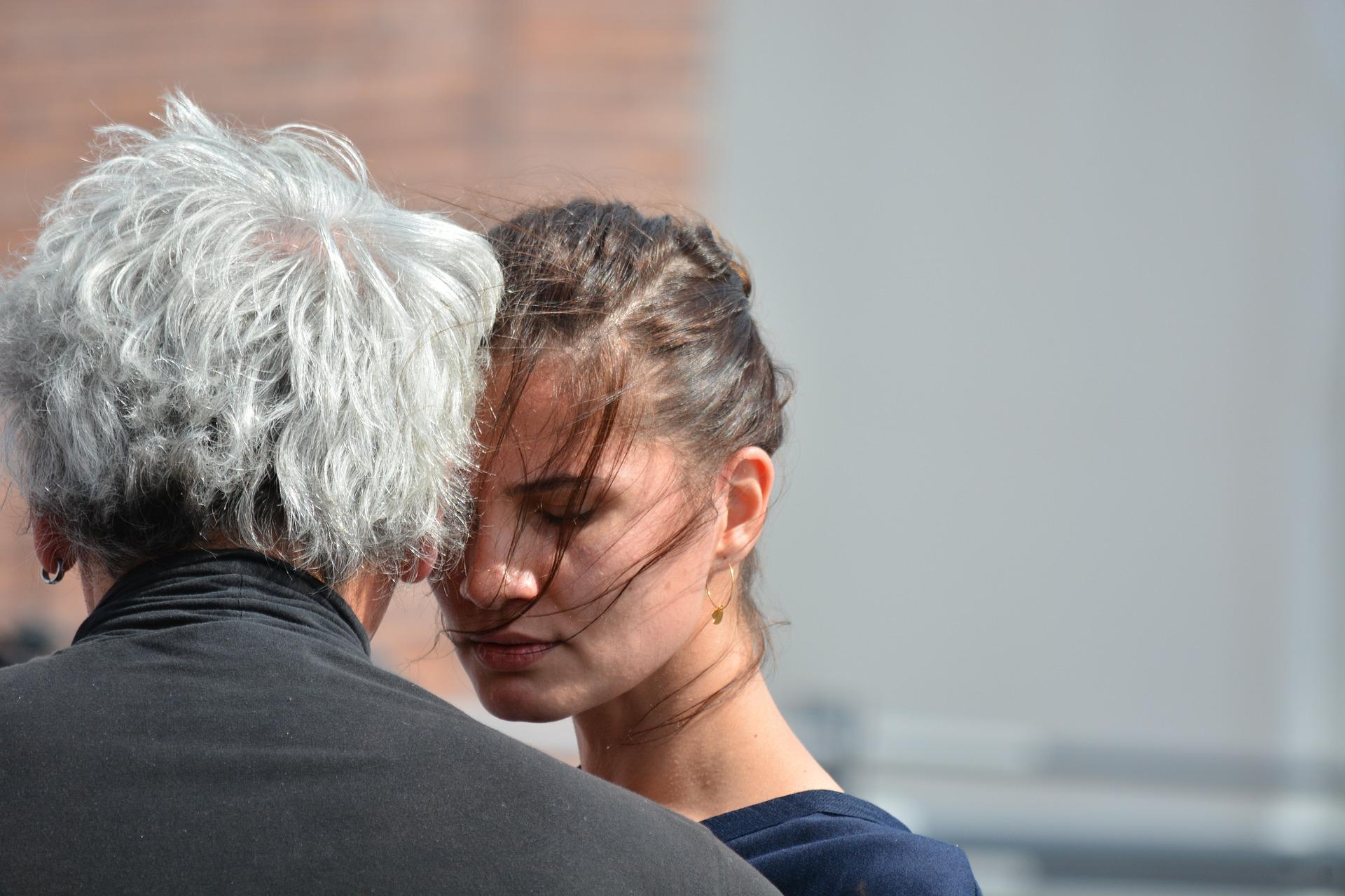 不倫がバレて離婚したカップルの行方と既婚女性の浮気がバレずに離婚する方法