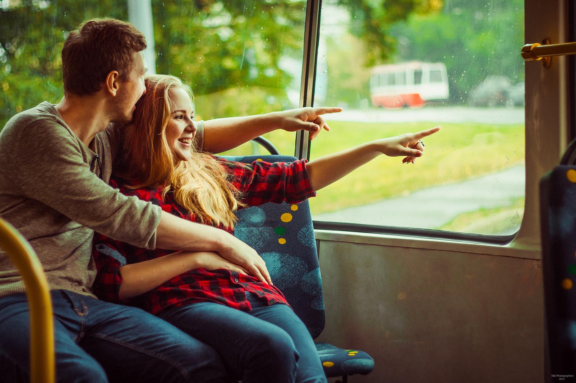 ダブル不倫が一年続いたら二人の関係は安泰するって本当!?一年が経った時の既婚男性の態度やline、セックスの変化