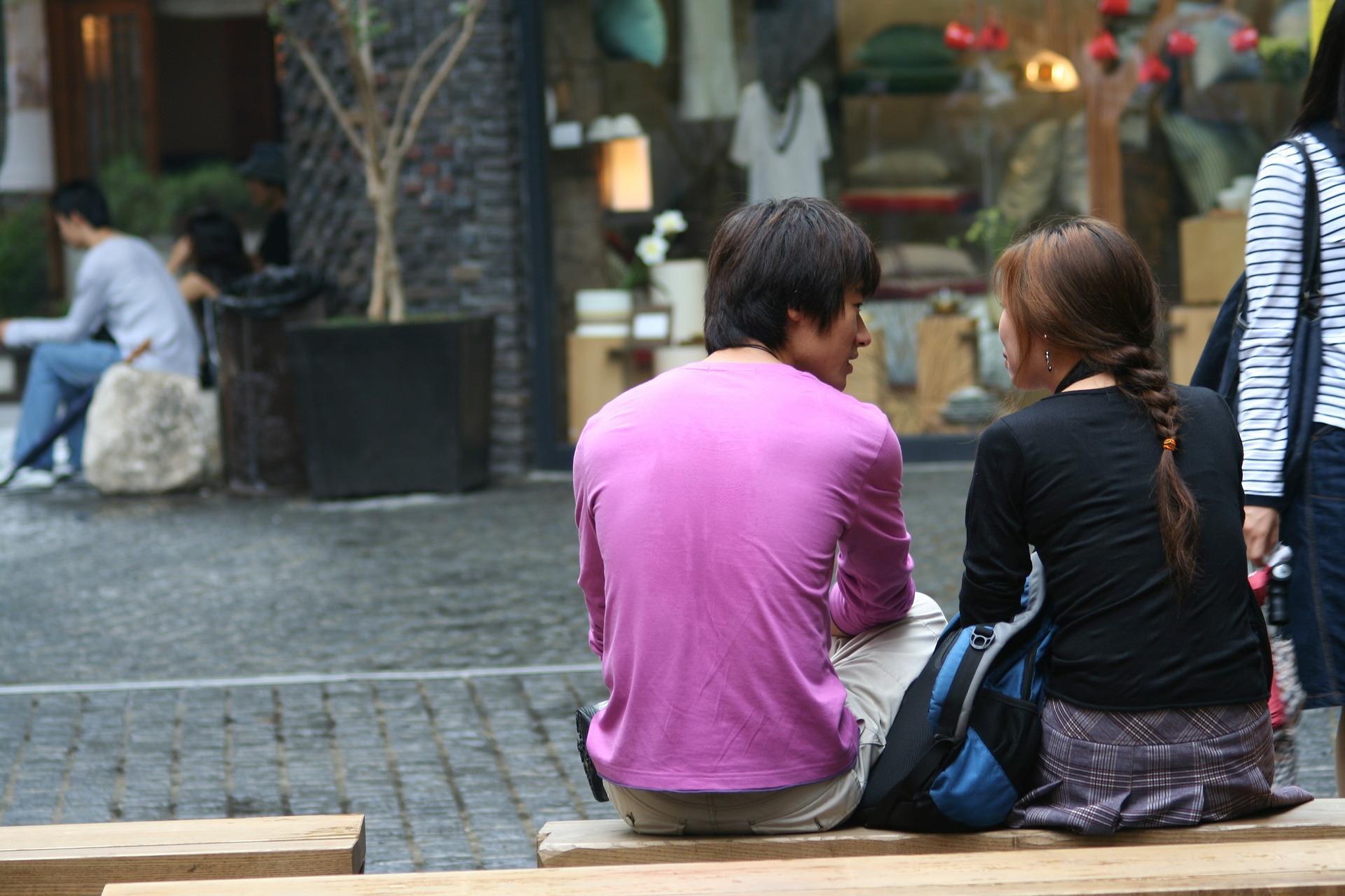 独身男性が既婚女性に好きになるきっかけとあの人から告白してもらう方法