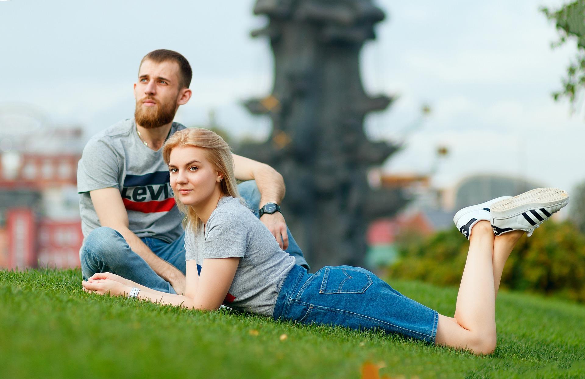人妻が不倫や浮気したいと思う男性の特徴!官能的でエッチなセックス相手や本気の恋愛に発展する男性を大公開