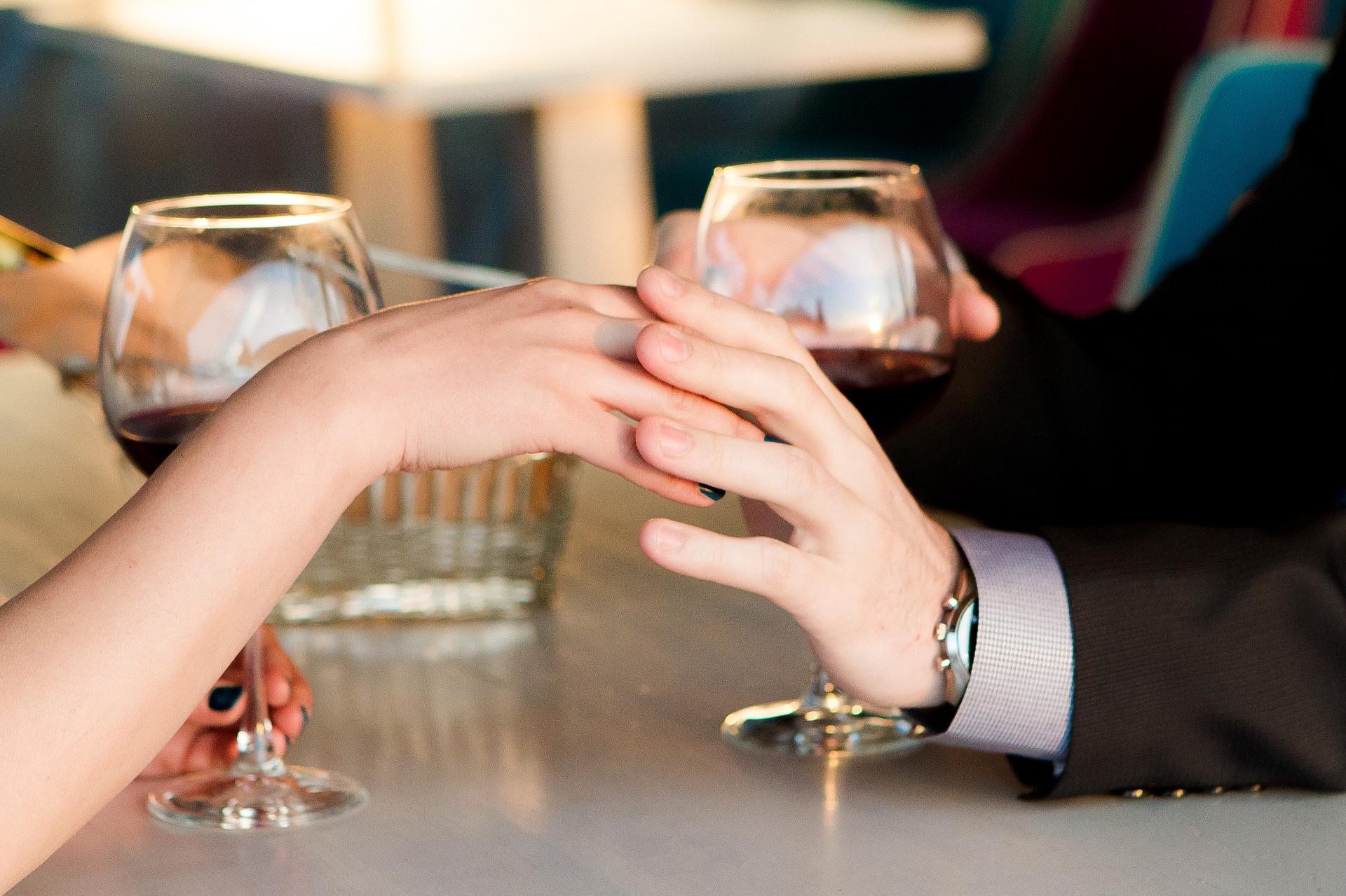 ダブル不倫から結婚するカップルの共通する特徴と再婚した二人の結末