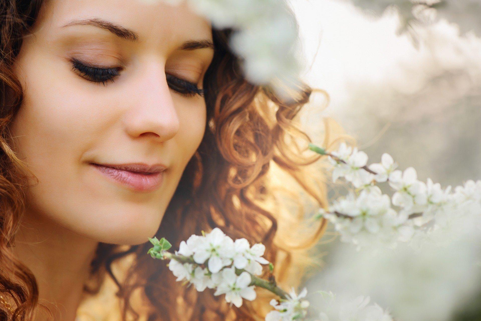 40代既婚女性がかわいい魅力とは?モテるアラフォー既婚女性が年下男性に惚れられるわけ